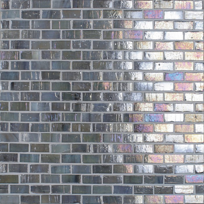Spa Mosaic Brick Spa silver lion